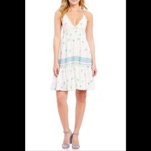 🌺 Chelsea & Violet Halter Dress 🌺